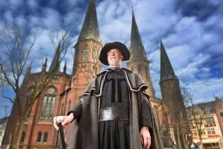 Der Stadtschreiber vor der Lambertikirche